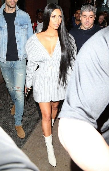 Kim Kardashian Photos Photos - Reality star and busy mom Kim Kardashian and her PR guy Simon Huck step out in New York City, New York on February 14, 2017. Rumors swirled late last year that Simon and Kourtney Kardashian, a claim both say is outrageous and not true. - Kim Kardashian & Simon Huck Step Out In NYC