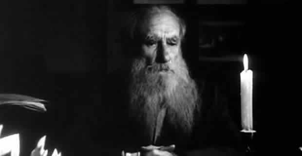 """""""İyiliğin bir nedeni varsa, iyilik değildir artık o. Sonucu, yani ödülü varsa iyilik olmaktan çıkmıştır.""""  /Tolstoy/"""