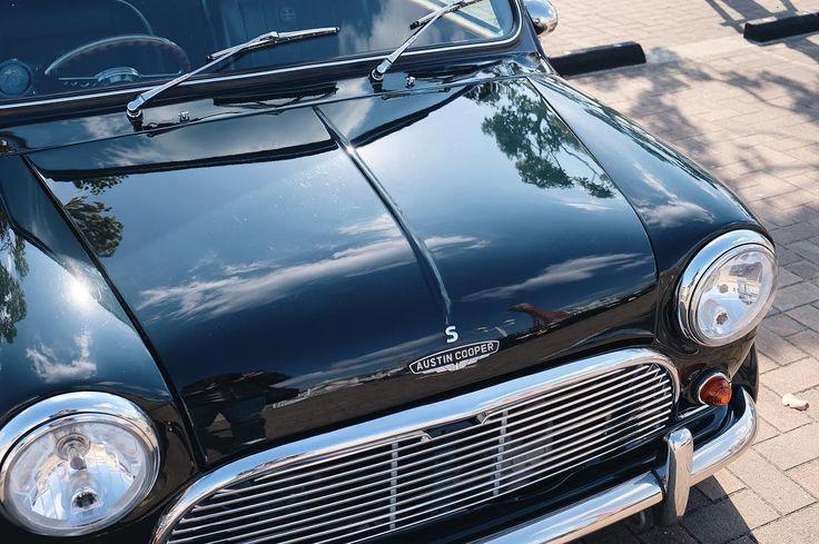 もうすぐ納車から1ヶ月 トラブル無しで快調 ワイパー傷と飛び石が多く 見難いフロントガラスの交換を発注 Jpmini Minisofinstagram Minicooper Minicoopers Rovermini Retromotors Mini Morrismini