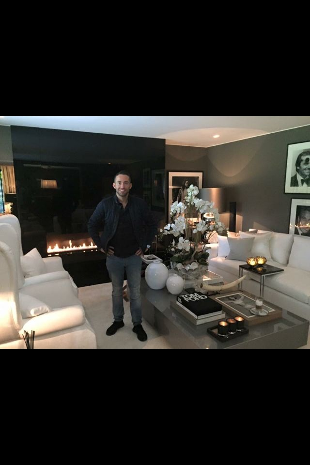 The Netherlands / Huizen / Head Quarter / Show Room / Living Room / Ron Galella / Eric Kuster / Metropolitan Luxury
