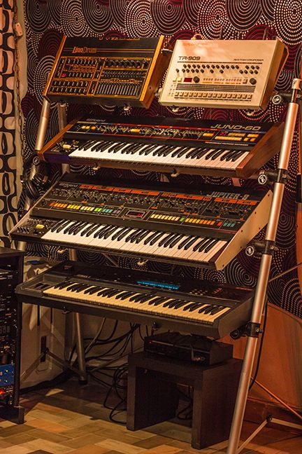 Roland TR-909, JUNO-60 and JUPITER-8 and a LINN DRUM Insert A pet shop boy here !
