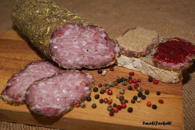 Domowy wyrób.Coś do chleba i talerza.: Kiełbasa ala - Salami w przyprawach i ziołach