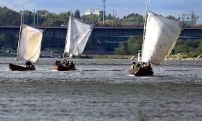 Znalezione obrazy dla zapytania drewniane łodzie baty