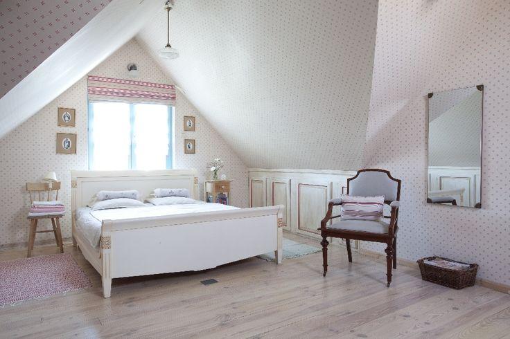 Joanna Paszko Ochotny Homestyling. Drewniany dom w stylu eklektycznym. Sypialnia Zdjęcie: Tomasz Augustyn