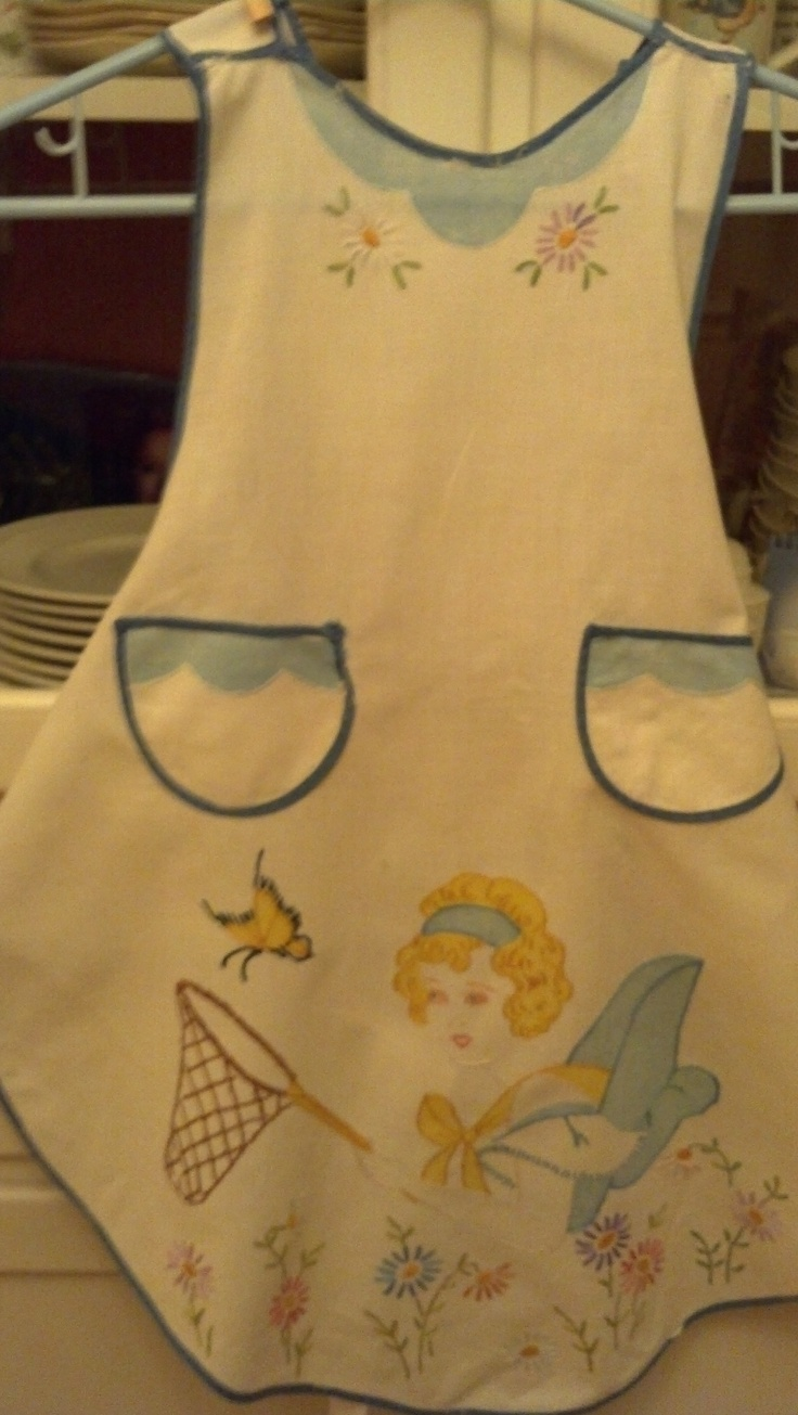 Vintage 1930's apron...so sweet...luv! Bought in Newport