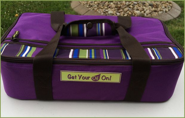 Make your own 77 oil carrying case! Super cute . . . Get Your Oil On!