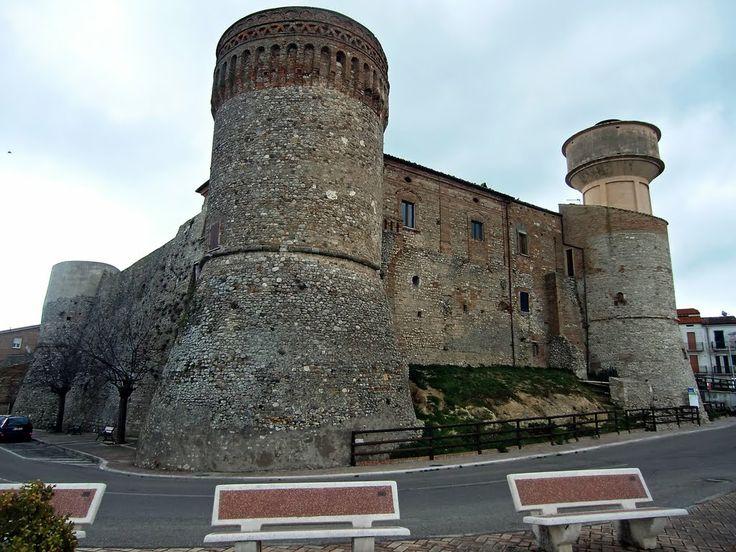 Il castello di #Monteodorisio - #Chieti #Abruzzo #panoramio #Abruzzoruralproperty www.abruzzoruralproperty.com