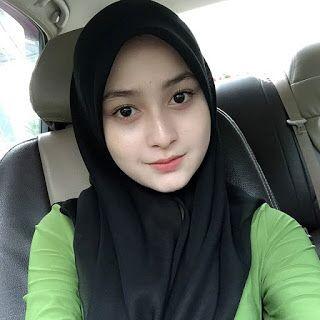 Gadis Ayu Melayu: Gadis Ayu 2204 말레이시아