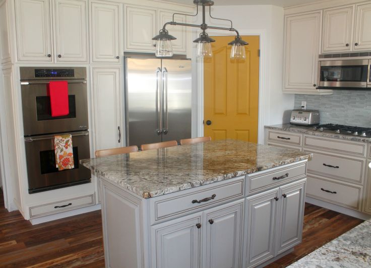 25 best ideas about diamond cabinets on pinterest for Diamond kitchen cabinets
