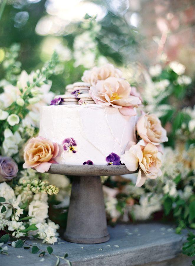 Wedding Cakes  :     Picture    Description  Macaron topped wedding cake: www.stylemepretty… | Photography: Jose Villa – josevilla.com/    - #Cake https://weddinglande.com/planning/cake/wedding-cakes-macaron-topped-wedding-cake-www-stylemepretty-photography-jose-villa-jo/