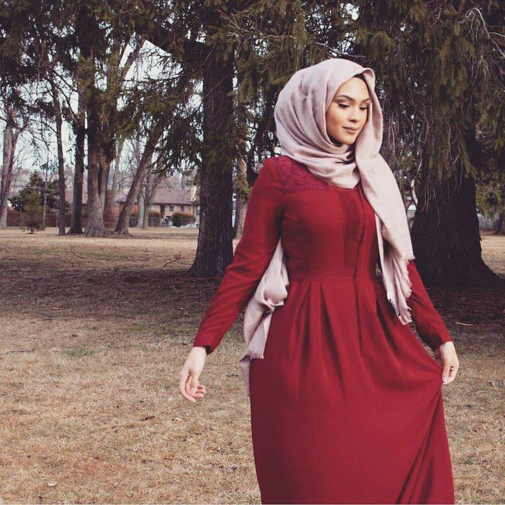 @chinutay #worldwidemuslimahs #pink #hijab #muslimah #muslim #softtones #flawless #fleek #chic #ootd #modest #fashion #sleek #love #smile #style #watch #nature #cute #heels #tarte #purse #mashallah #beautiful #look #blush #inspo #makeup #inspiration #abaya