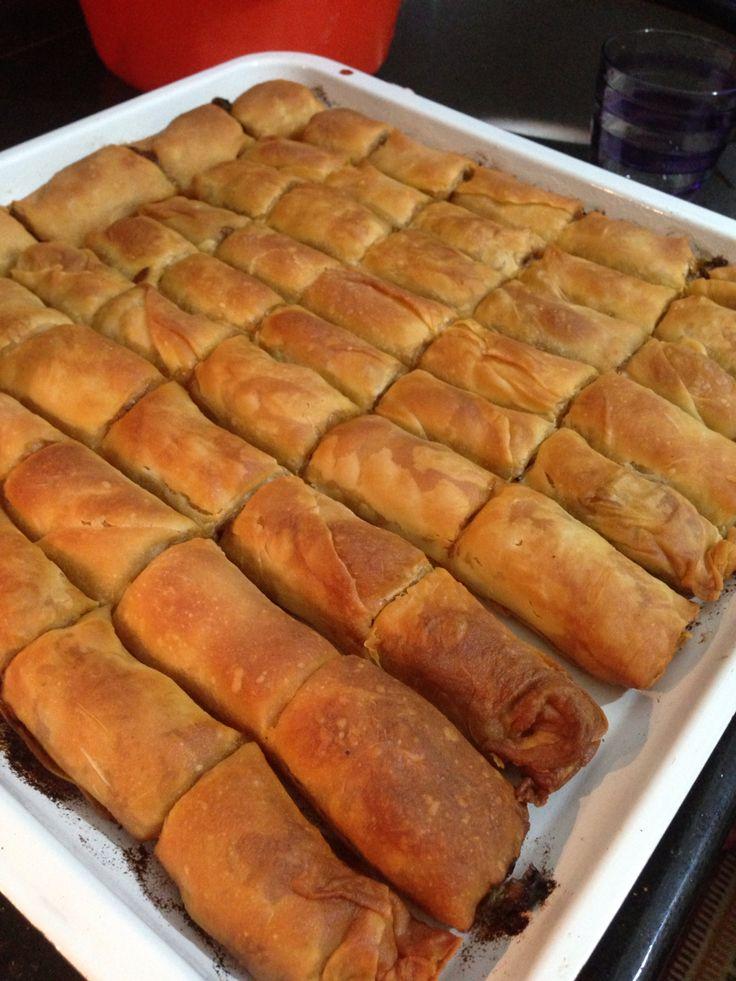 Ispanaklı El Açması Börek