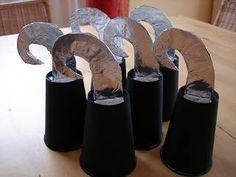 Katis kreative Ecke: Piratengeburtstag--die Hakenhände...
