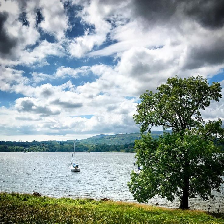 The weekend has landed and what a place to spend it #windermere #lakedistrict #ambleside