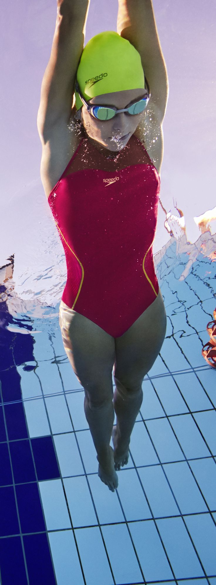 This suit includes seams inspired by the Fastskin LZR Racer X race suit, and an X back for improved comfort. Available from > http://www.speedostore.com/women/women-all-swimsuits/810371.html
