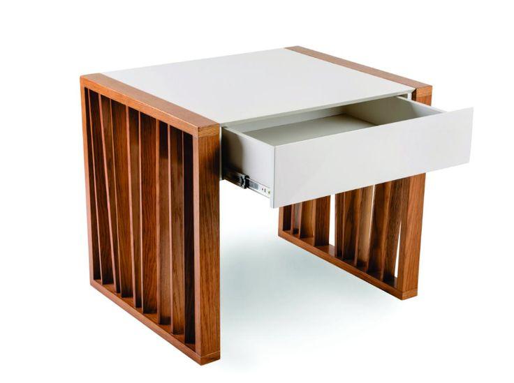 Mesa Brize madera y laca