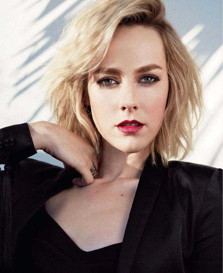 Jena Malone's Mystery Character Has Been Cut From 'Batman V Superman's' Theatrical Release