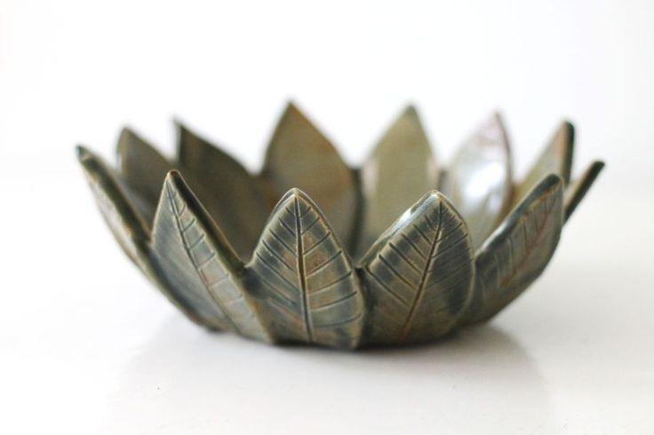 Leaf bowl by Mikaela Puranen