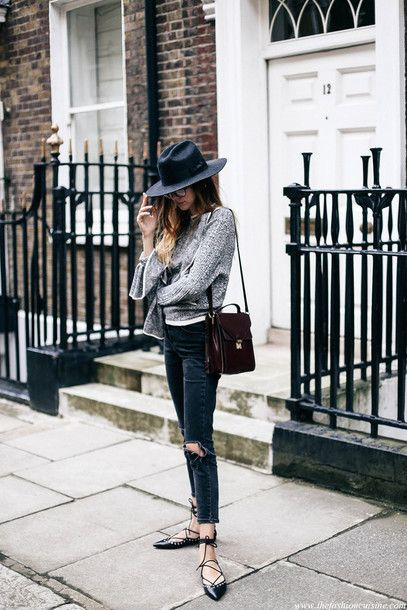 sweater tumblr grey sweater felt hat hat black hat jeans denim blue jeans ripped jeans flats black flats lace up flats bag fall outfits
