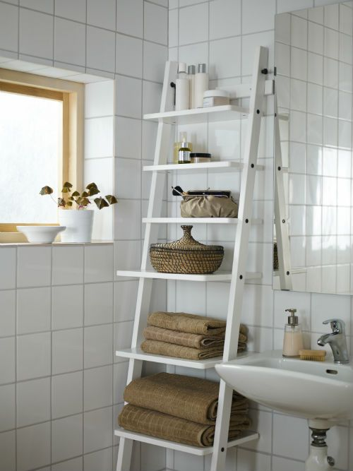 IKEA Fan Favorite: HJÄLMAREN wall shelf. This bathroom furniture gives you space for everything you need – and smart ways to organize it all.