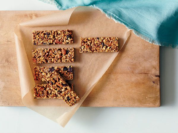 Granola Bars http://www.prevention.com/food/cook/simple-recipes-from-mark-bittman/slide/3