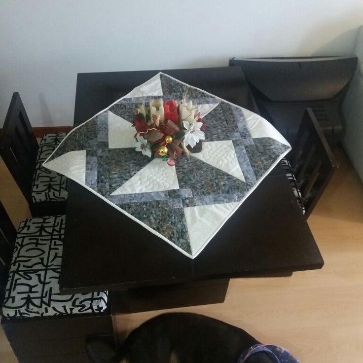Otra Tecnica de nuestro amado patchwork. Centro de mesa. Con mucho cariño  otro diseño del Taller de la Profe Esperanza.