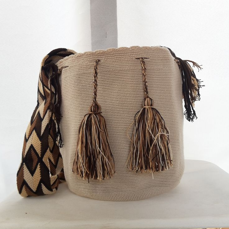 Mochila Wayuu unicolor, By ecoaccesorios.com.co