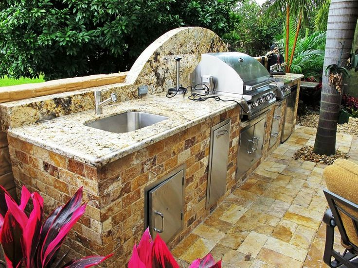 Outdoor Kitchens | Luxapatio