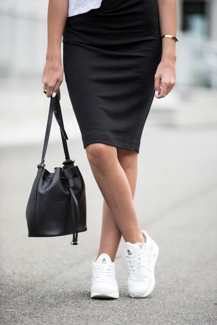 Jeanette Sundøy - By Malene Birger - Asfvlt sneakers - Wool skirt - Outfit - Black and white