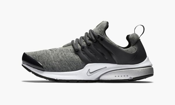"""Nike Brings Back the Air Presto with a New """"Tech Fleece"""" Pack"""
