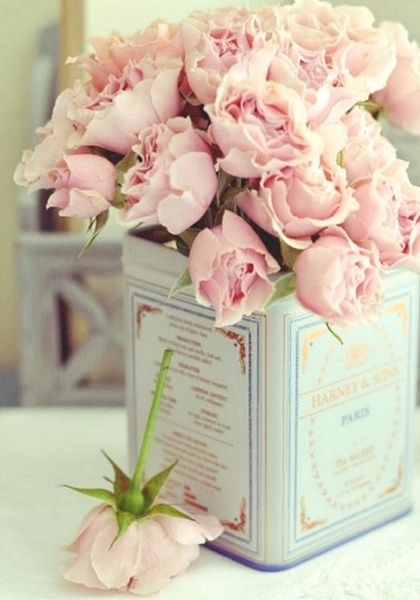 Soft pink Roses: Ideas, Teas Tins, Vintage Tins, Roses, Tea Tins, Old Tins, Pink Rose, Flowers, Tins Cans