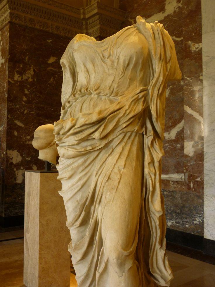 phrodite du type dit de <l'Aphrodite Doria-Pamphili>