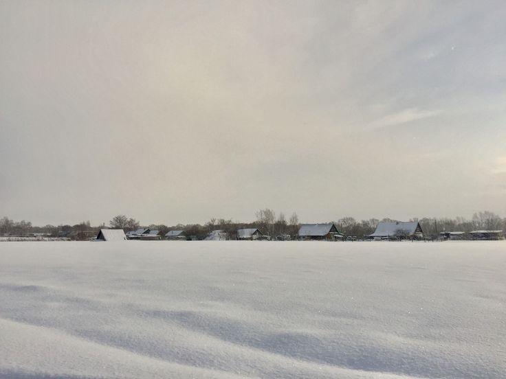 Утро снегом занесло, И морозом прихватило! Рождество в наш мир пришло, Белым светом осветило!  Радость и любовь несёт, Этот праздник православный! Всяк его, конечно ждёт, В вере, счастье своём - главный!  #Рождество #стихи #Долгопрудный #поэзия #зима #Кимовск #Кудашево