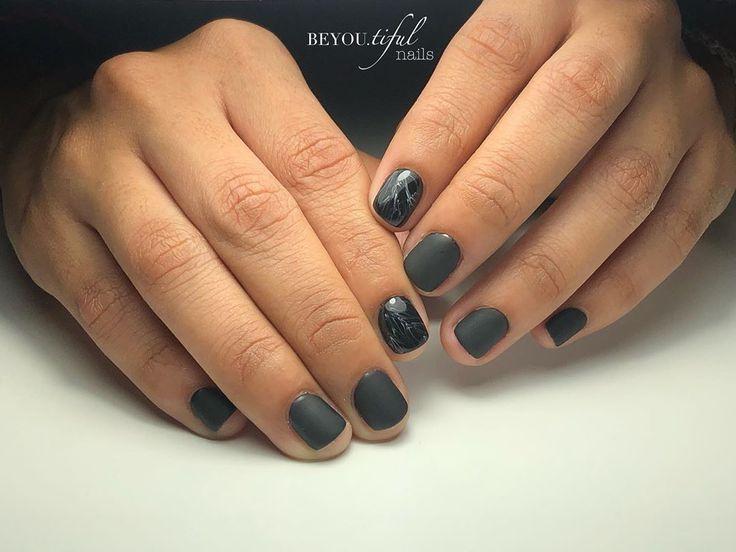 Zurück zu Schwarz und Marmor. . . #blacknails #mattenails #miasecretgelux #marb …   – Mattenails