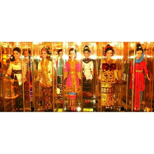 Some of traditional custome of Indonesia