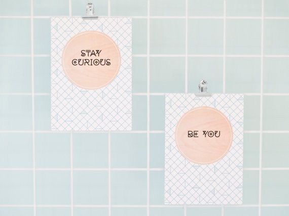 Set of 2 cards be you and stay curious van YESIWOOD op Etsy
