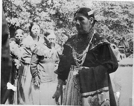 caddo women Caddo couple: caddo men were hunters and sometimes went to war to protect their families caddo women were farmers and also did most of the child care and cooking.