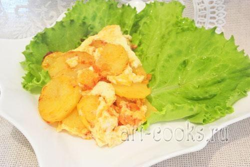 Картофель с яйцом в мультиварке