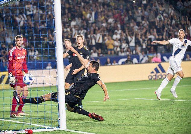 La Galaxy 1 1 Lafc Zlatan Ibrahimovic Scores 499th Career Goal Zlatan Ibrahimovic Career Goals La Galaxy