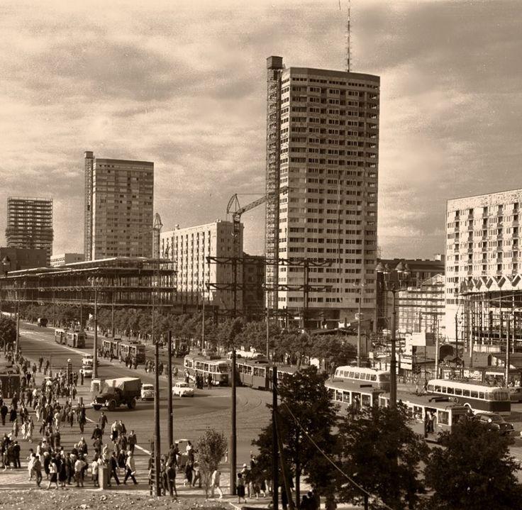 Ściana Wschodnia w budowie, rok 1967.