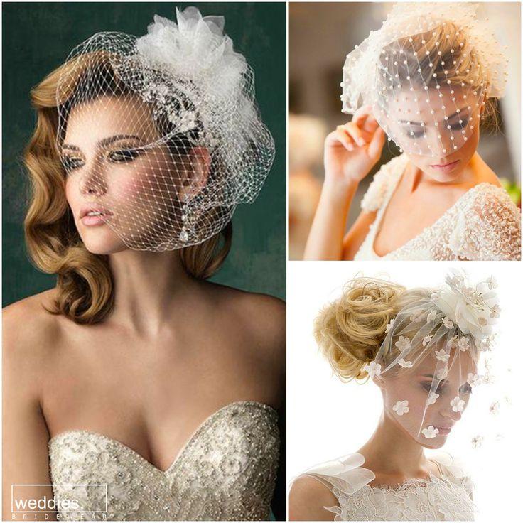 Duvak seçerken tarzınıza ve yüzünüze uyması önemli ama hepsinden önce severek, isteyerek kullanmalısınız. Eğer uzun duvak tercih etmiyor veya kullanışlı bulmuyorsanız, farklı ve şık alternatifler de mevcut   It's important to pick your veil right for your style and face but it's more important to wear it with heart. If you're not a veil kinda bride, then you can just pick another kind matching your style