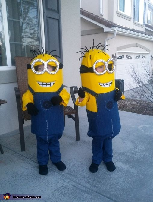 my baby boys as twin minions halloween costume contest via