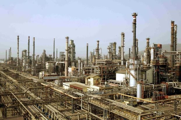 #BusinessNews  Oil firms to set up seven 2G #Ethanol units.  State-run fuel retailers Indian Oil Corp. Ltd (IOCL), Bharat Petroleum Corp. Ltd (BPCL) and Hindustan Petroleum Corp. Ltd (HPCL) will set up around seven so-called second generation (2G) #ethanolplants across the country...  Read More At <> http://www.bizbilla.com/hotnews/Oil-firms-to-set-up-seven-2G-Ethanol-units-5018.html #OilFirm #IOCL #BPCL #HPCL