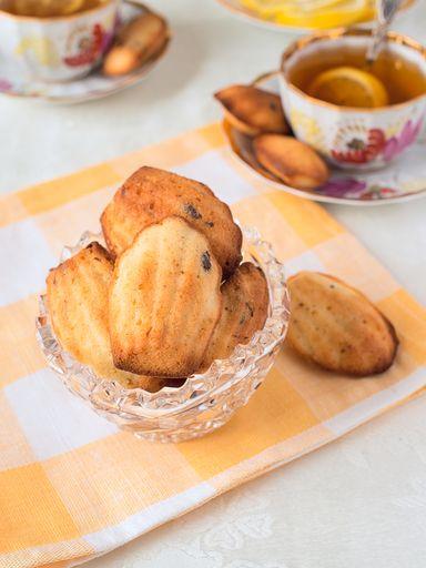 Madeleines fleur d'oranger pépites de chocolat - Recette de cuisine Marmiton : une recette