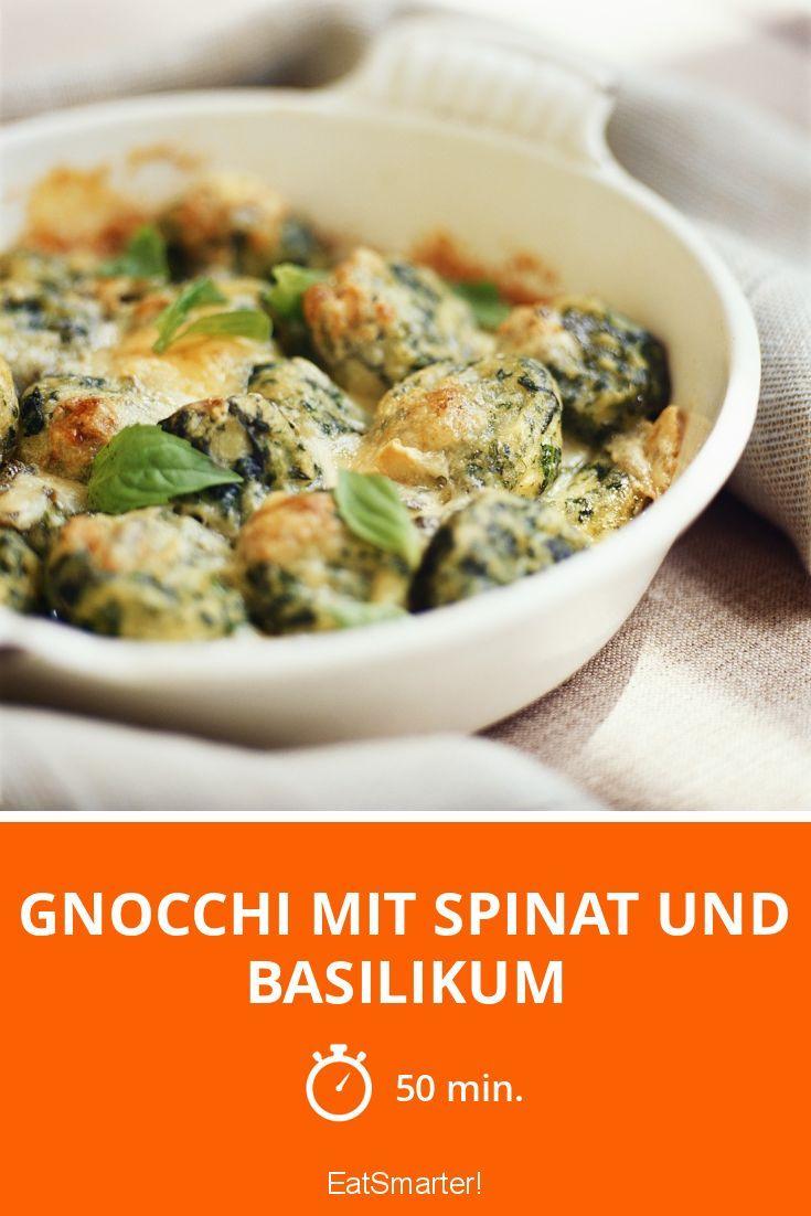 Gnocchi mit Spinat und Basilikum | http://eatsmarter.de/rezepte/gnocchi-mit-ricotta-und-thymian