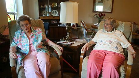 Tras 72 años, estas mujeres de Iowa POR FIN se han casado. ¡Felicidades!