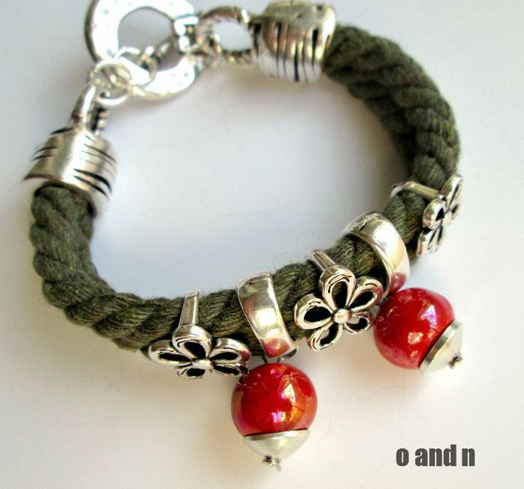 O and N blog: Another cord bracelet: khaki and red
