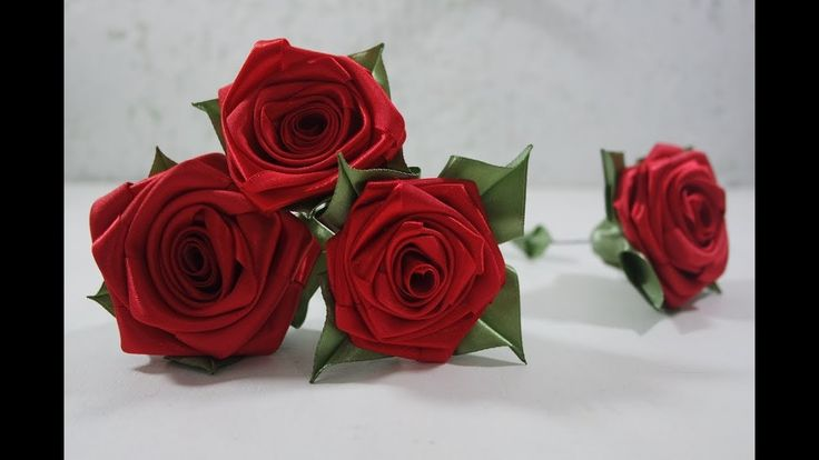 Rosa de fita de cetim