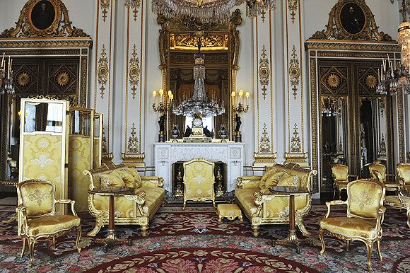 Palace officials release pictures of the 19 state rooms in Buckingham Palace whe…
