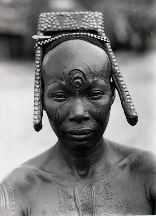 """""""Third eye"""" Bakutu woman. Tshuapa, Bodende, Belgian Congo"""
